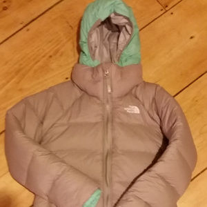 Girls 10/12 North Face jacket 550